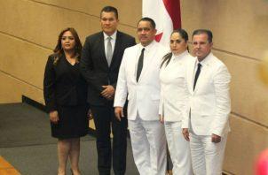 El alquiler de los 12 vehículos es por un periodo de 12 meses, según la Asamblea Nacional. Foto: Panamá América.