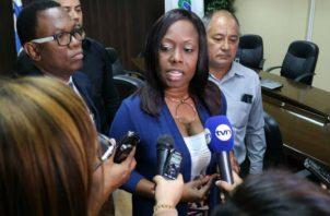 Anteproyecto de ley de diputada Kayra Harding siobre aeropuerto de Tocumen no prospera. Foto/Redes Sociales