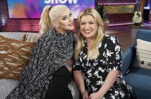 Las cantantes Kelly Clarkson y Christina Aguilera se irán de gira musical acompañadas de sus hijos.