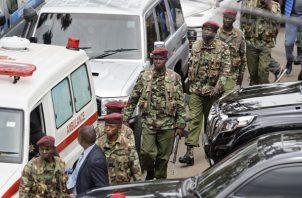 Las autoridades mantienen los operativos ante posibles nuevos ataques. Foto/AP