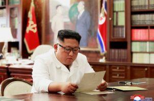 Las conversaciones entre Donald Trump y Kim Jong-un llevan meses estancadas. FOTO/AP
