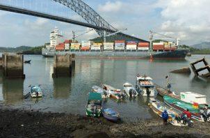 El muelle que podría desaparecer tras la construcción del cuarto puente sobre el Canal. Foto: EFE.