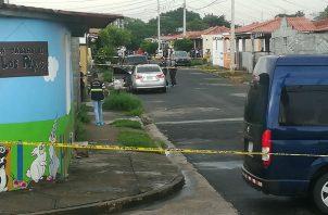 Asesinan a una pareja en La Siesta; un bebé se salvó de las balas de los sicarios. Foto: Jorge Luis Barría.