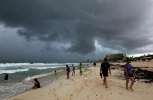La depresión tropical 14 Michael se moviliza hacia Florida por el Golfo de México. EFE