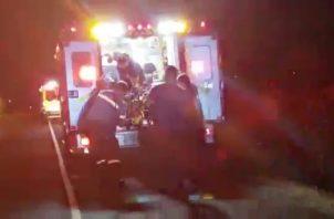 El ciudadano herido recibió los primeros auxilios del Sume 911. Foto/Eric Montenegro