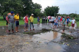 Atribuyen la inundación a una obstrucción de las aguas pluviales. Foto: Melquíaes Vásquez.