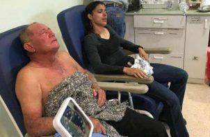 Los dos productores afectados por gas pimienta en Los Santos, reciben atención médica. Foto: Cortesía.