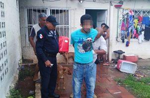 El individuo había sido grabado por una de las cámaras de seguridad de una de las residencias donde ingreso para robar. Foto/ Eric Montenegro