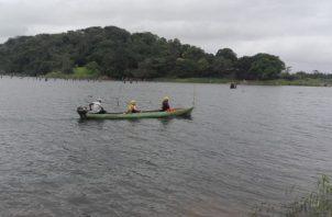Se desconoce la circunstancia de cómo el adulto mayor cayó al agua. Solo se encontró el bote vacío. Foto/Diómedes Sánchez