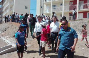 El presidente Varela estuvo en Alto de Los Lagos con los de la orden Salesiana. Foto: Diómedes Sánchez.
