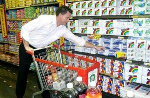 Panameños hacen compras adicionales para que no falte nada en sus hogares
