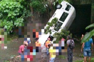 Mujer desaparecida tras accidente de Las Lajas donde fallecieron seis personas. Foto: Cuerpo de Bomberos de Panamá.