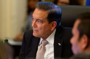 Laurentino Cortizo  se comprometió a nombrar una comisión revisora de la Ley de Descentralización.