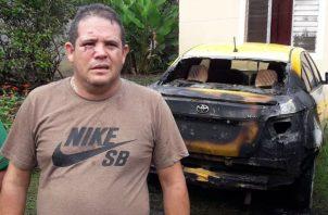 Los vecinos alertaron al propietario del incendio del vehículo. Foto: Mayra Madrid.