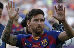 Leo Messi durante la presentación de la plantilla ante su afición. Foto AP