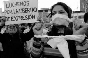 Una verdadera democracia respeta la libertad de expresión, la propiedad privada, los recursos naturales y promueve el crecimiento económico, la estabilidad social y la estabilidad política.