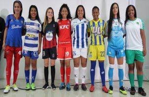 El torneo busca impulsar el fútbol femenino.