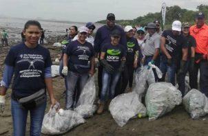 Voluntarios y Sinaproc limpiaron las playas recientemente. Foto: Diómedes Sánchez S.