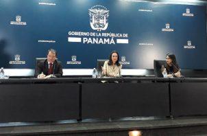 La jefa de la diplomacia panameña hace un llamado a los países miembros de la Unión Europea a considerar los importantes avances que Panamá. Foto/Cortesía