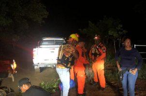 El grupo prepara todo para buscar a las nueve personas desorientadas. Foto/Sinaproc
