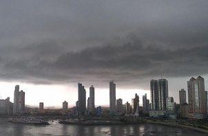 El aviso de lluvias del Sinaproc se extiende hasta las 11:59 p.m. de este domingo.