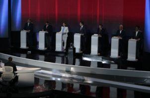 Candidatos han sido selectivos con las invitaciones a fotos. Víctor Arosemena