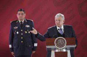 Andrés Manuel López Obrador aseguró que los que ingresen a la Guardia Nacional gozarán de una serie de beneficios. FOTO/EFE