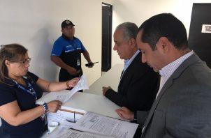 Presentan impugnaciones contra diputados reelectos Crispiano Adames y Francisco 'Pacho Alemán. Foto: Redes sociales.
