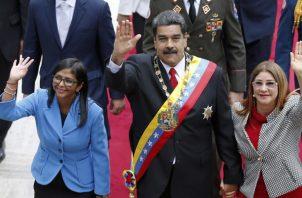 Otra de las personas allegadas a Nicolás Maduro, que son objeto de sanción es la vicepresidenta Delcy Rodríguez. FOTO/AP
