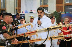 Maduro en una ceremonia este martes con la Fuerza Armada en Caracas. Foto: EFE.