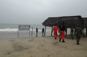Personal del Sinaproc monitorearon las playas del Pacífico. Foto de cortesía
