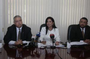 Abogada de Ramsés Owens denuncia penalmente al director de la DIJ Marcos Córdoba. Foto: Víctor Arosemena.