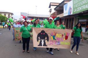 La marcha se desarrolló con el fin de crear conciencia de que hay que proteger a los niños de los abusadores. Foto/Thays Domínguez
