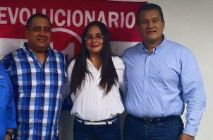 Marcos Castillero (izq.), Zulay Rodríguez y Quibián Panay son los candidatos que postuló la bancada del PRD.