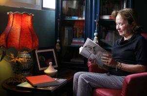 Desde 1981 empezó a publicar en los periódicos. Foto / Aurelio Suira