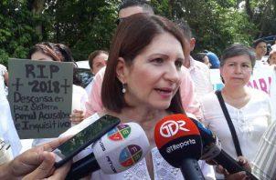 Marta Linares de Martinelli.  Archivo