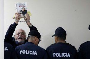 Equipo legal del expresidente Ricardo Martinelli presenta tres nuevos recursos en caso pinchazos. Foto: Panamá América.