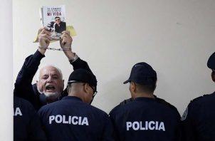Expresidente Ricardo Martinelli incapacitado; audiencia se reanuda el próximo lunes 26. Foto: Panamá América.