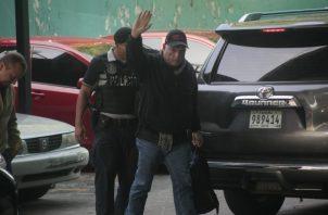 El expresidente Ricardo Martinelli, a su llegada al Sistema Penal Acusatorio en plaza Ágora. Foto de Víctor Arosemena