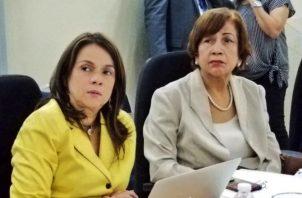 Maruja de Villalobos participó ayer de las reuniones de transición en el Meduca. Cortesía