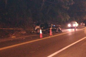 El carro quedó a un costado de la vía. Foto: Diómedes Sánchez S.