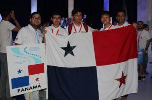 Chicos que participaron en esta olimpiada. Foto: Senacyt