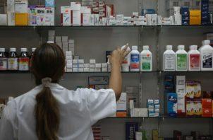 Los consumidores se quejan del alto costo de los medicamentos en Panamá.