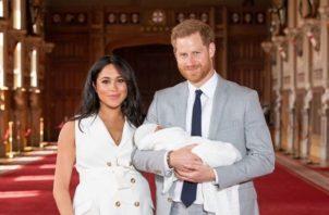 Meghan, Harry y el bebé real. Foto: Instagram