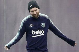 Messi  instó a los aficionados a respaldar a las chicas.