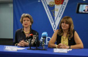 Mercedes Eleta de Brenes, presidente de APEDE dijo que este documento tiene un valor incalculable para la vida nacional.Foto/Apede
