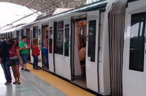 En la Línea 1 ya funcionan 15 trenes con cinco vagones. Archivo