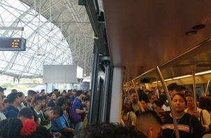 La administración del transporte ferroviario no han explicado la causa de la interrupción del servicio. Foto: redes sociales.
