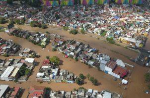 Vista de una zona urbana afectada por las inundaciones debido a tormentas por el huracán Willa en Morelia, estado de Michoacán (México). EFE