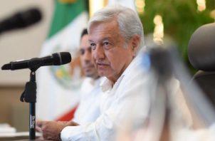 Andrés Manuel López Obrador durante una reunión con gobernadores de Mérida en Yucatán (México). Foto: EFE,